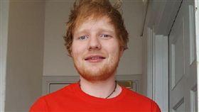Ed Sheeran、紅髮艾德/臉書