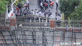 反年金改革,立法院圍城,拒馬 圖/記者林敬旻攝