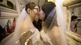 同性婚姻,同婚,同性戀,女同,蕾絲邊,拉子,婚姻平權,多元成家,LGBT(圖/美聯社)
