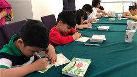 中華郵政百萬人手寫卡片活動。(圖/記者馮珮汶攝)