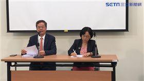 司法國是會議第五組召集人梁永煌、中正大學法律系教授盧映潔。潘千詩攝影