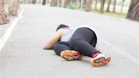 跌倒,慢跑,運動,跑步,摔倒,女,跑者(圖/美聯社、達志影像)