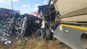 巴士,車禍,南非,校車,普勒托利亞,Pretoria,司機,學童/推特