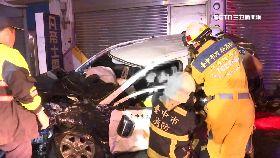 警車撞三傷0700.