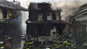 美國,紐約皇后區,火災(圖/翻攝自推特)
