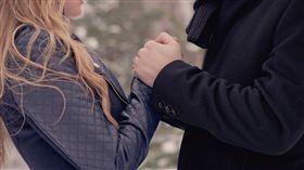 談戀愛,交往,女朋友,男朋友,戀愛,情侶(圖/攝影者Wyatt Fisher, Flickr CC License)/https://flic.kr/p/qQBugD