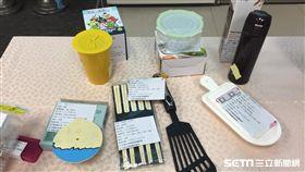 食品容器具標示新制7/1起實施,玻璃保鮮盒、不鏽鋼保溫杯上蓋、鹽酥雞紙袋等皆納入管制。(圖/記者楊晴雯攝)