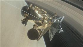 卡西尼號22次俯衝繞行,9月15日墜毀。圖取自美國太空總署