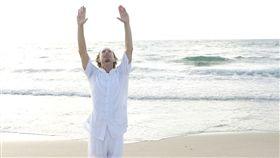 氣功,男,海邊,功夫,伸展,做操,健康(圖/CC0免費圖庫)