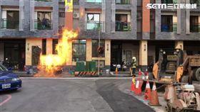 台中市天然氣管線被挖斷竄火舌