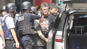 劉邦誠4/30在新北市中和街頭與警方駁火/中央社