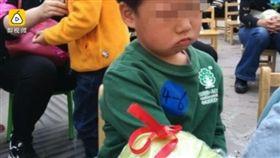 ▲幼稚園運動會優勝獎品是蔬菜。(圖/翻攝自《梨視頻》) http://www.weibo.com/1653603955/F0Vvlai2W?type=comment