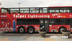 台北市雙層觀光巴士。(圖/記者簡佑庭攝)