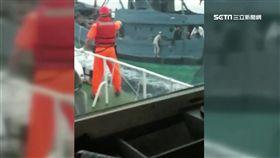 休漁期也來?陸漁船越界捕撈 海巡射震撼彈登船逮人 SOT