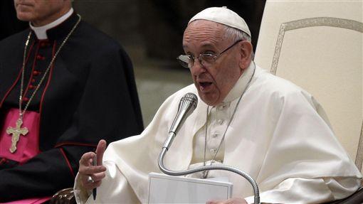 16:9教宗方濟各總結2017 嘆人類為不公不義浪費一整年教宗 方濟各 Pope Francis圖/攝影者Long Thiên, Flickr CC Licensehttps://flic.kr/p/EPHqpY