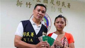 歐陽國麟曾自掏腰包送沒錢的泰國女子回鄉。圖/翻攝照片