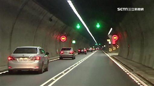 雪隧科技執法上路,政府一年多賺22億。