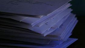 寫信,信件,情書(flickr https://www.flickr.com/photos/105637782@N04/10330868556/in/photolist-gJUpio-bLrYAp-gJUodM-bcJc8P-5PAhWU-4NE5e3-5qt9f-hjbY9-b9Fppr-U4JeU1-7GHyxJ-5PAiaS-5DqQDo-A48f9-8oQUn1-5PvXCe-3KWAo)