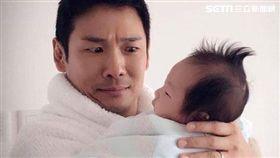 母親節!杜德偉:是誰發明嬰兒這種生物?(圖/翻攝臉書)