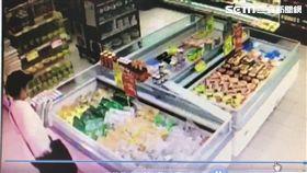 吳女三度前往學府路的頂好超市,竊取肉粽、櫻桃等商品,總價超過千元以上,殊不知早被店員盯上,待她離去時攔下報警(翻攝畫面)