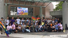 國際反恐同日,中正、南華、嘉義大學性別友善社團聯合舉辦「三校反恐同,彩虹升空挺平權」活動(圖/主辦單位提供)