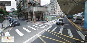 李男亡命奔逃至三重重安街53巷口實逆向撞上路過的楊姓機車騎士。(圖/擷取自Google地圖)
