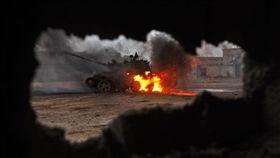 利比亞,空軍基地,攻擊(圖/翻攝自推特)