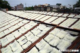 新竹米粉,國際米粉,郭鳳嬌,曬米粉。(圖/記者簡佑庭攝)