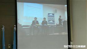今(22)日衛福部長陳時中在瑞士時間早上八點半於日內瓦舉辦記者會。(圖/記者楊晴雯攝)