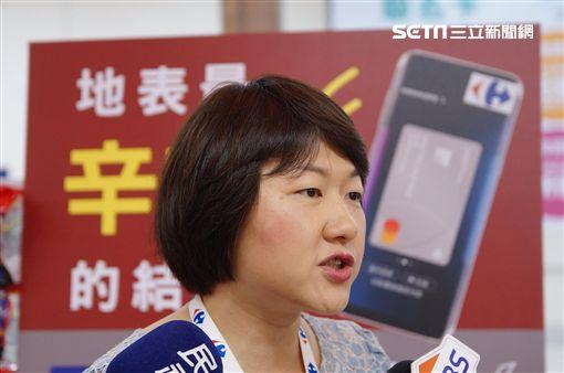 拉消費者往前跑!家樂福Samsung Pay爽拿辛拉麵(圖/李鴻典攝)