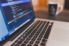 程式語言,電腦,代碼 圖/翻攝自PEXELS https://www.pexels.com/photo/coffee-writing-computer-blogging-34676/