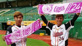 ▲統一獅選手林志祥(左)與陳傑憲希望球迷多進場加油。(圖/統一獅球團提供)