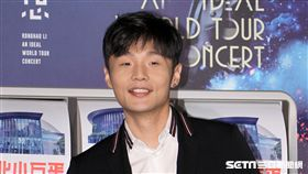 李榮浩與華納音樂繼續簽約,明年攻台北小巨蛋。(記者邱榮吉/攝影)