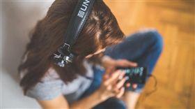 名家/網路溫度計/(image source:pexels)/【大數聚】「體驗」才是真商機!數位衝擊下的音樂產業發展趨勢(下)