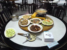 新北市警局午餐菜色豐盛。