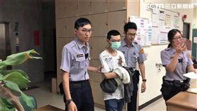 張男與國中母校學妹交往挨告,事後又未到庭說明被通緝,他躲到台南依靠角頭大哥,仍被警方循線查獲(翻攝畫面)