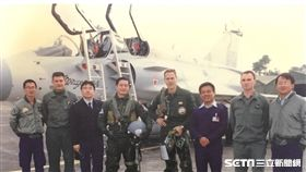幻象20週年/空軍司令沈一鳴/499聯隊長柳惠千,其中後來擔任駐拉脫維亞代表、國安會副秘書長的退役中將葛光越 盧冠妃攝