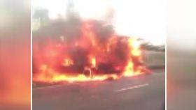 衛生紙車燒1800