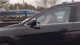 三寶,開車,駕駛,做愛,分心,俄羅斯,女上男下 (圖/翻攝自YouTube)