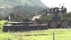雲豹變砲車1200