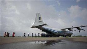 緬甸軍機(圖/翻攝自新華國際微博)