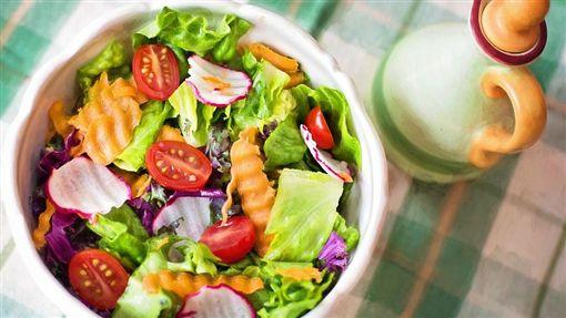 沙拉,蔬菜,蔬果,纖維質,減肥,減重(圖/Pixabay)