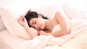 睡覺,睡眠,裸睡 (圖/Pixabay)
