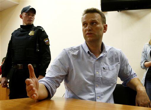俄羅斯反貪腐抗議,俄羅斯反對派領袖亞歷塞依.納瓦尼(Alexei Navalny)前往莫斯科政治抗議活動途中被捕。 (圖/路透社/達志影像)