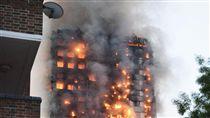 倫敦24層公寓大樓「格蘭菲塔」火警(圖/中央社)