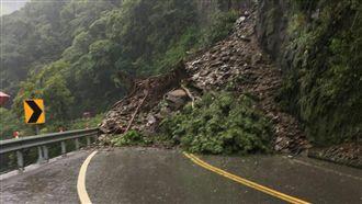 梅雨還不停!南投山坡崩急撤離50人
