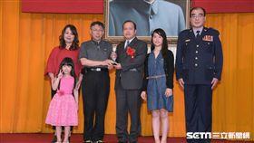 柯文哲警察節出席金吾獎頒獎典禮 北市府提供