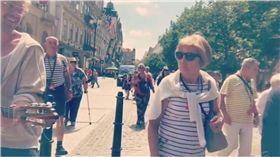 湯姆費爾頓,Tom Felton,哈利波特,馬份,布拉格,吉他,舊城區,觀光客,Ophelia 圖/翻攝自Tom Felton IG