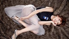 台灣女孩特蕾莎TERESA出色的條件,讓日本最大經紀公司《HORIPRO堀製作》相中。(組合圖/樂迷國際提供)