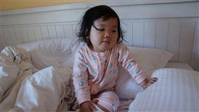 三歲幼兒咳半年 醫師:你不知道你睡在什麼東西上面